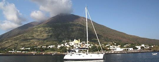 На парусной яхте по Липарским островам