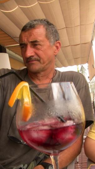Вот такой стаканище tinto de verena с утра и целый день полон сил