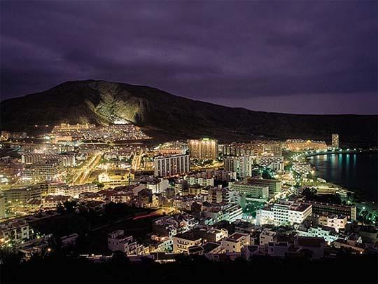 Tenerife_los_Cristianos_2